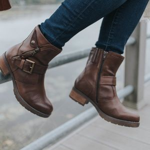 Earth Boots